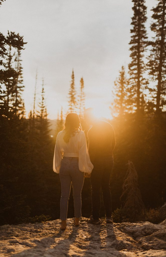 Sunrise engagement photography in the mountains