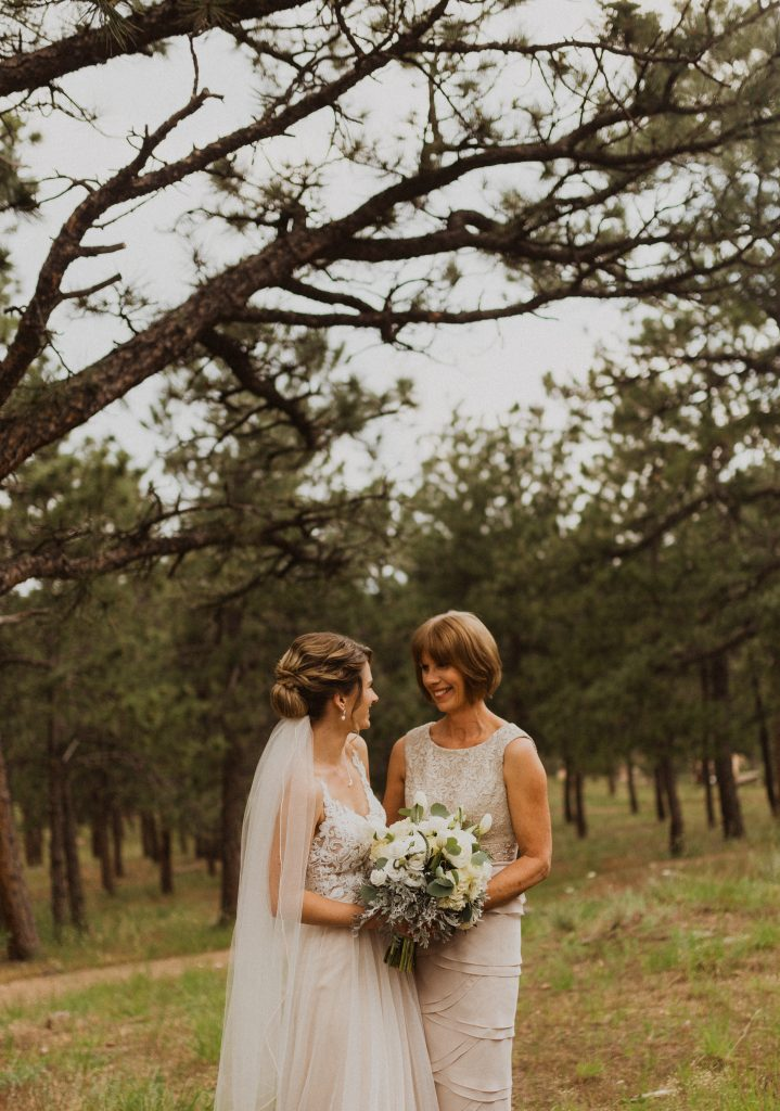 Beautiful mountain wedding in Colorado