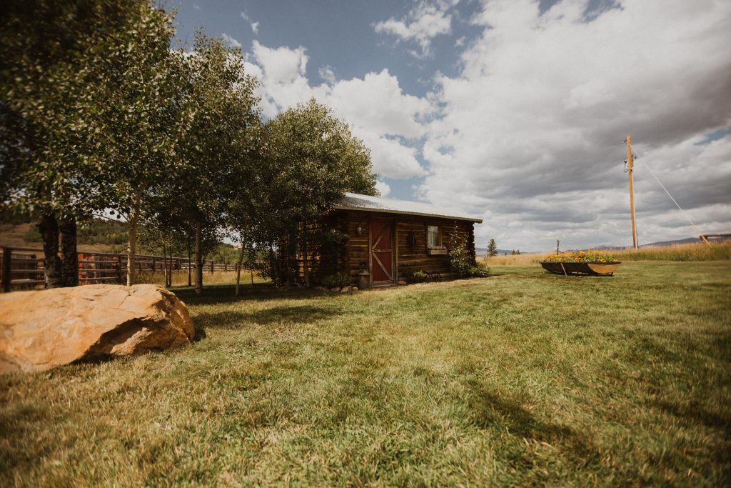 Strawberry Creek Ranch bridal suite