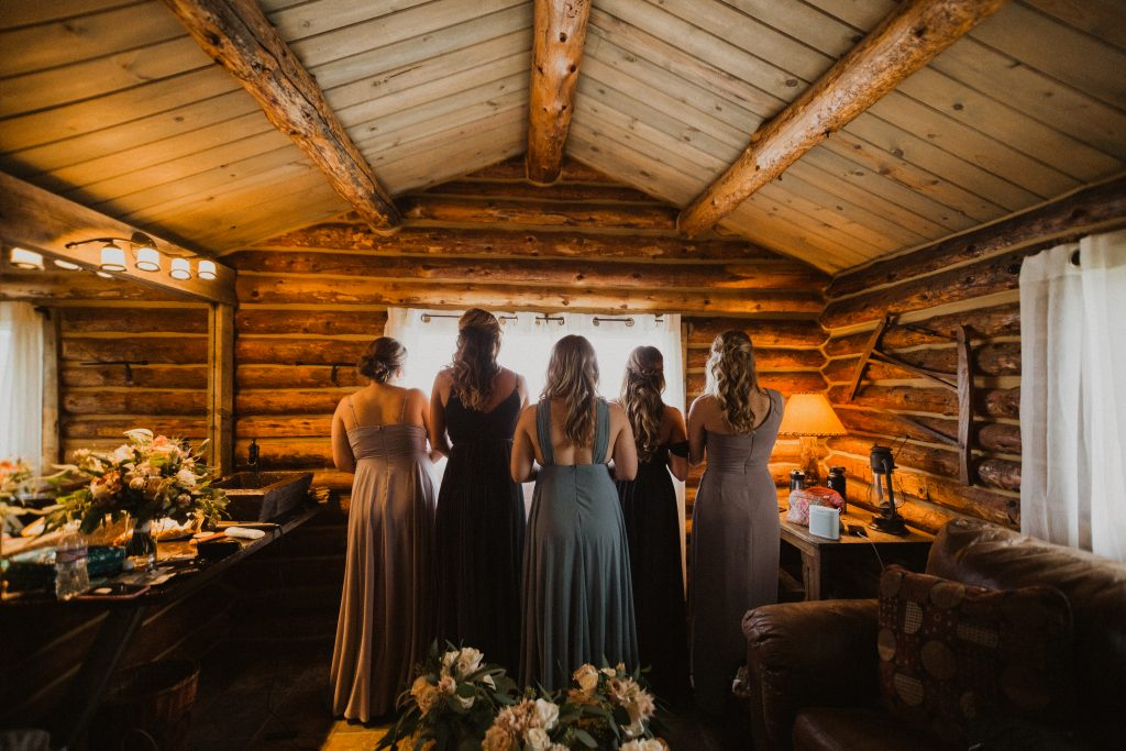 Bridesmaids in bridal suite at Strawberry Creek Ranch